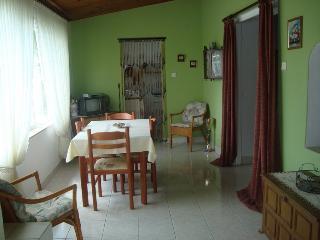 LUKETIC(937-2054) - Silo vacation rentals