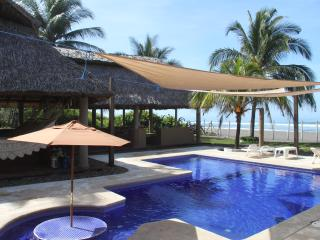 Charming tropical beach getaway. - El Salvador vacation rentals