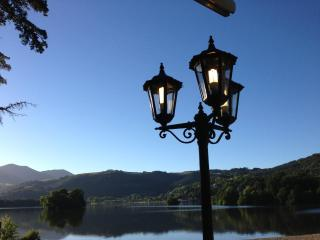 Studio Economique - Vue sur le Lac Chambon - Volca - Clermont-Ferrand vacation rentals