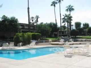Chillin' in Paradise! Pool & Spa steps away.  Beautiful 2 BR / 2 Bath Condo, Ironwood CC - Palm Desert vacation rentals