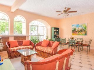 Two Bedroom Casita In Guadiana With Walled  Garden - San Miguel de Allende vacation rentals