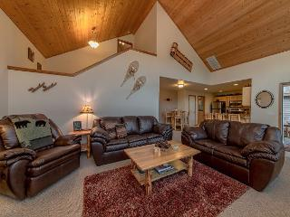 *Specials* Fantastic Newer Cabin in Roslyn Ridge!  3BR | Hot Tub | WiFi - Cle Elum vacation rentals