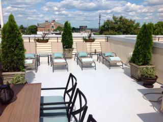 Sleeps 4 Hosted Homestay, Philly, Free Parking - Greater Philadelphia Area vacation rentals