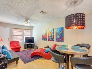 2 bedroom 2 Bathroom SoCo Condo - Austin vacation rentals