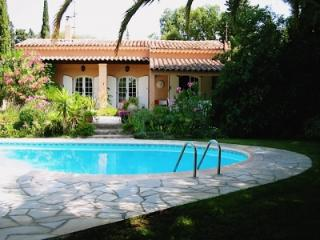 Charming Villa Les Lezards -Frejus-Saint-Raphael - Fayence vacation rentals