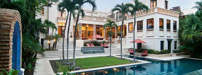 Paradisiac Beachfront Luxury Villa!! - Image 1 - Tamarindo - rentals