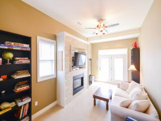 Riverview Home -Weekly Discounts! - Port Colborne vacation rentals