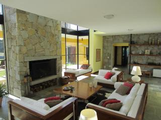 Stunning 4 Bedroom House with Pool in Jose Ignacio - Manantiales vacation rentals