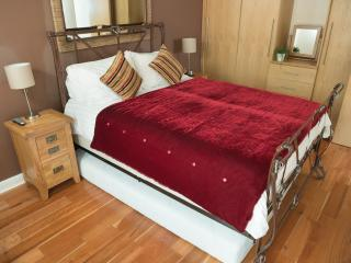 The Sapphire Suite, Luxury Apartment Birmingham, U - Tamworth vacation rentals
