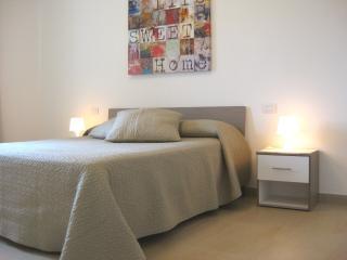 Nuovo Appartamento Villa Palladio vicino Gardaland - Castelnuovo del Garda vacation rentals