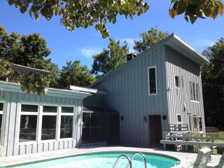 Woodstock-Pool, Hot Tub, Stream; 7 Acres; Hike/Ski - Woodstock vacation rentals
