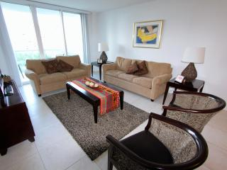 One Bedroom Ocean View With Parking ! - Sunny Isles Beach vacation rentals