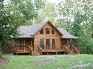 2 Bed Private Cabin easy access to Beaver's Bend - Oklahoma vacation rentals