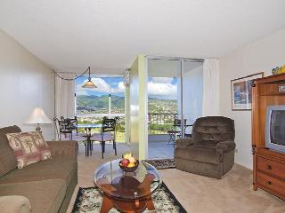 1-bedroom with full kitchen, washer & dryer, A/C, FREE WiFi  and parking! - Waikiki vacation rentals
