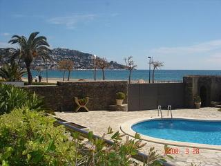 Beach Front And Pool Condo With Big Terraces And Garden - Sant Mori vacation rentals