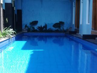 THREE Bedroom VILLA with Outdoor Pool - Solo vacation rentals