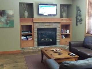 3 BEDROOM / 3 BATH LUXURY CONDO - Rossland vacation rentals