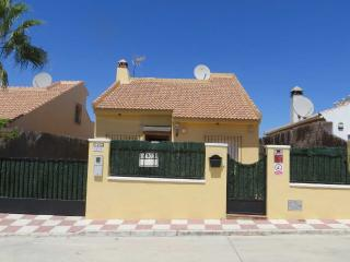 Villa in Malaga - heated pool & WifI - Puente Genil vacation rentals