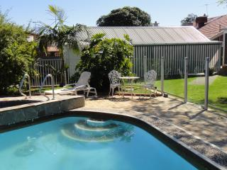 Modern Studio in Prospect - 4km North of City - Adelaide vacation rentals