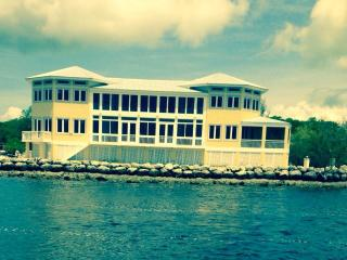 Southern Diversion Estate Key Largo Great wedding - Key Largo vacation rentals