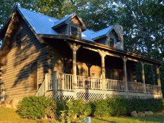 2 BR Mountain Top Cabin, Pet-Friendly, Nearby Golf - Crossville vacation rentals