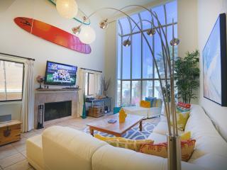 Stunning Beach Condo w/ Game Room 1/2 blk to Sand - Marina del Rey vacation rentals