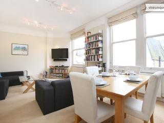 2 Bedroom in London's West End at Charing Cross Road - London vacation rentals