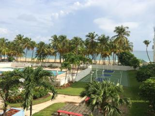 Go for a dip, I dare you!!! - Isla Verde vacation rentals