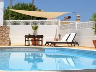 VivendaBrito- room and studios near Beach**** - Carvoeiro vacation rentals