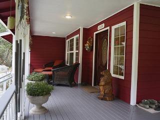 Island Castle Sleeps 10 Small Pets Ok - Anderson Island vacation rentals