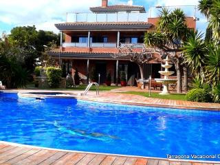 VILLA DIEGO HAUT STANDING CALAFELL PLAGE - Calafell vacation rentals