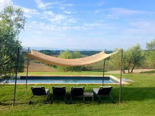 Charmingly restored La Bianca on private farming estate- private heated pool & garden - Siena vacation rentals