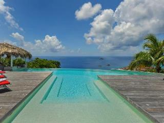 Blue Swan Villa comes complete with a pool bar and  stunning sunset views - Lurin vacation rentals
