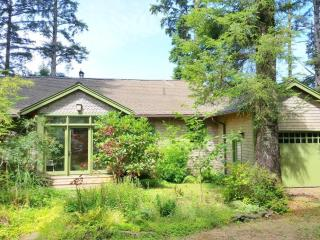Private Cottage right on Netarts Bay! - Cape Meares vacation rentals