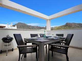 27 Pollensa Penthouse 150mtrs from the beach. - Pollenca vacation rentals