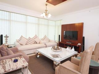 Prestigious Apartment in the Dubai Marina - Dubai vacation rentals