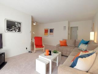 1 Bedroom Apartment within one mile from the Beverly Center and Cedars Sinai - West Hollywood vacation rentals
