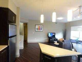 Chic 2 Bedroom 2 Bathroom apartment in the heart of Hollywood - Hollywood vacation rentals