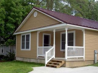 The Williams Bay Tourist House - Williams Bay vacation rentals
