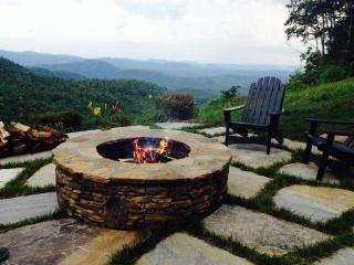 Hawk Height Escape- Miles of Views, firepits+more - Highlands vacation rentals