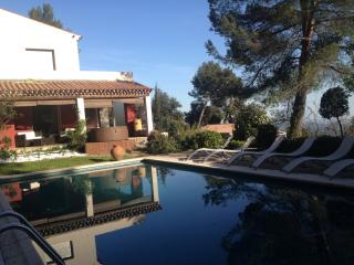 Artist house with pool and seaview - Grasse vacation rentals