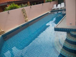 Jomtien Pool Villa (Pattaya) - 5 Bedrooms 6 Bathrooms - Jomtien Beach vacation rentals