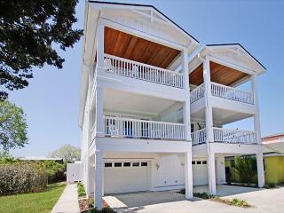 Sanderling-Ocean view duplex with open floor plan & great views of the ocean - Kure Beach vacation rentals