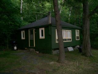 Bayview Cottages - Cozy - Mactier vacation rentals