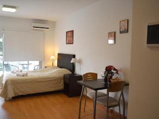 Nice Lofted Studio + Amenities. Fast Wifi 10 MB! - Capital Federal District vacation rentals
