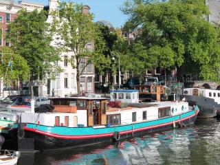 A358 Bed and breakfast Amsterdam on houseboat - Amsterdam vacation rentals