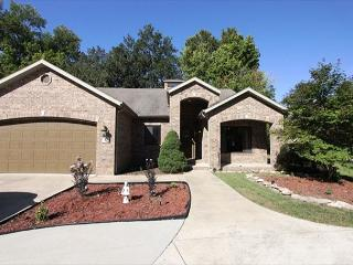 Riversong on Taneycomo-4 bedroom, 3 bath home located right on Lake Taneycomo - Table Rock Lake vacation rentals