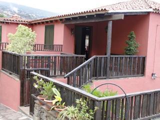 Apartment Rural The Resbala    Apartamento Rural L - Puerto de la Cruz vacation rentals