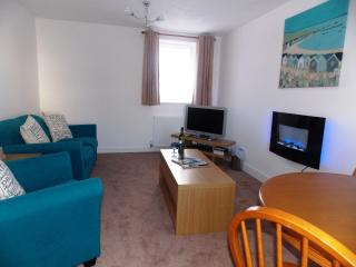 Wee Lossie Cottage - Seaside retreat for couples - Lossiemouth vacation rentals