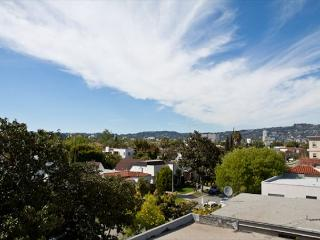 Enjoy Beverly Hills Lifestyle! - Hollywood vacation rentals